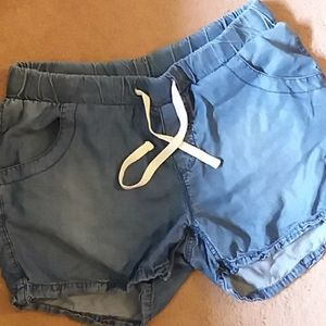 Max jean shorts size Med. Soft & light weight